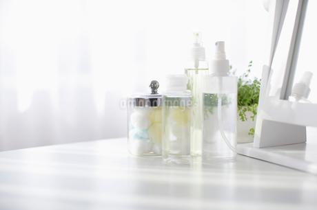 ボトルとガラスの瓶の写真素材 [FYI01872706]