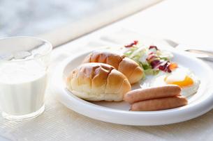 パンの朝食の写真素材 [FYI01872847]