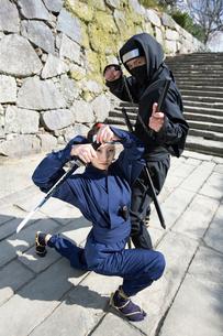 武器を持つ男女の忍者の写真素材 [FYI01879804]