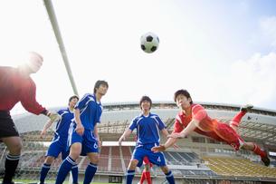 サッカー競技の写真素材 [FYI01880609]