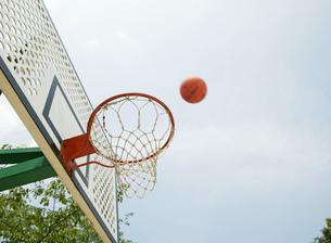 バスケットゴールの写真素材 [FYI01899131]