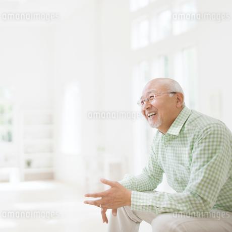 日本人のシニア男性の写真素材 [FYI01902009]