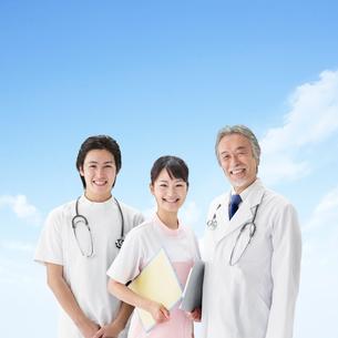 医者と看護師の写真素材 [FYI01909020]