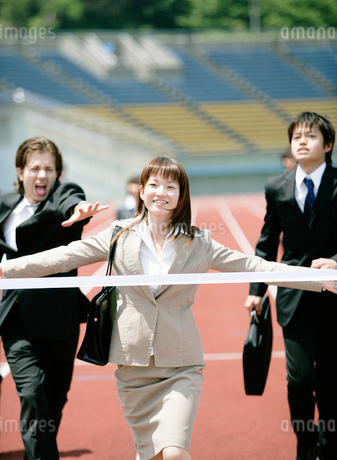 競技場のビジネスマンの写真素材 [FYI01912197]