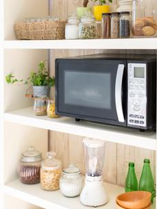 キッチンの棚の写真素材 [FYI01912355]
