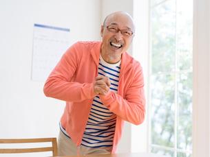 笑顔の男性の写真素材 [FYI01912739]
