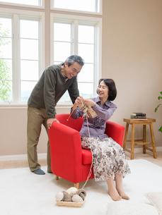 日本人のシニア夫婦の写真素材 [FYI01913657]