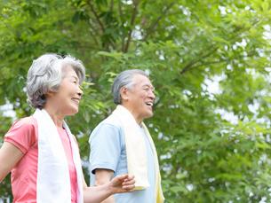 日本人のシニア夫婦の写真素材 [FYI01916055]