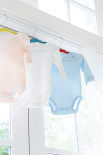 ベビー服の洗濯物の写真素材 [FYI01917969]