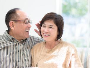 日本人のシニア夫婦の写真素材 [FYI01918115]