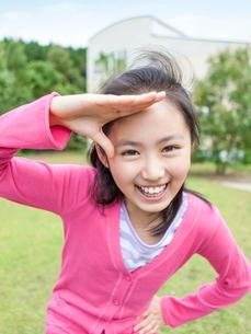 笑顔の女の子の写真素材 [FYI01918282]