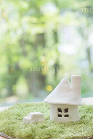 家と自動車の模型の写真素材 [FYI01919875]