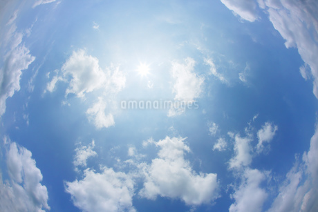 青空と雲の写真素材 [FYI01922874]