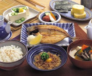 和風の朝食の写真素材 [FYI01925627]