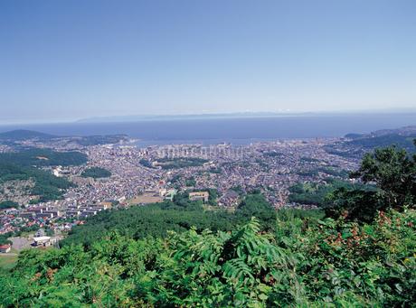 天狗山からの小樽市街の写真素材 [FYI01926990]
