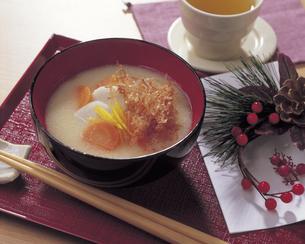 関西風の雑煮の写真素材 [FYI01927124]