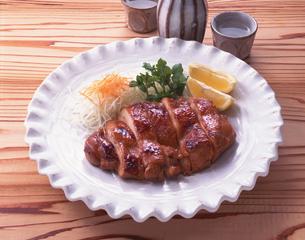 鶏肉の照り焼きの写真素材 [FYI01927455]