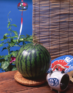 スイカと夏の風物詩の写真素材 [FYI01927548]