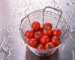 山盛りのプチトマトの写真素材 [FYI01927553]