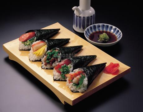 手巻き寿司の写真素材 [FYI01927609]