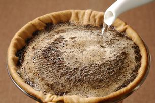 ネルドリップコーヒーの写真素材 [FYI01927686]