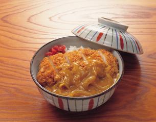 カツカレー丼の写真素材 [FYI01927863]
