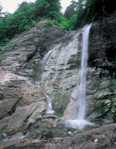 泥湯大滝の写真素材 [FYI01928987]