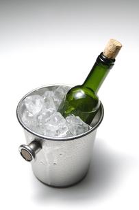 ワインボトルの写真素材 [FYI01929552]