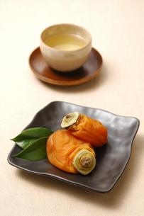 あんぽ柿とお茶の写真素材 [FYI01931400]