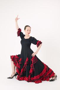 フラメンコを踊る女性の写真素材 [FYI01931874]