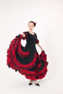 フラメンコを踊る女性の写真素材 [FYI01932119]