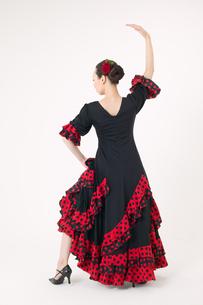 フラメンコを踊る女性の写真素材 [FYI01932236]
