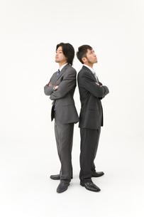 対立する男性2人の写真素材 [FYI01932441]