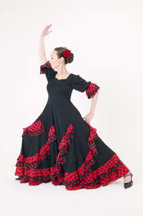 フラメンコを踊る女性の写真素材 [FYI01932469]