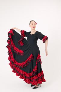 フラメンコを踊る女性の写真素材 [FYI01932596]