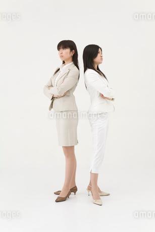 対立する女性2人の写真素材 [FYI01932774]