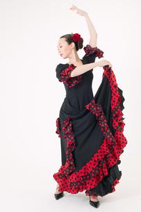 フラメンコを踊る女性の写真素材 [FYI01933468]