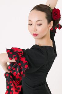 フラメンコを踊る女性の写真素材 [FYI01933990]