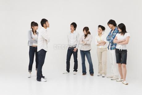 対立する若者達の写真素材 [FYI01935582]