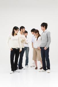 対立する若者達の写真素材 [FYI01936244]