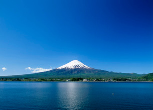 河口湖の富士山の写真素材 [FYI01937972]