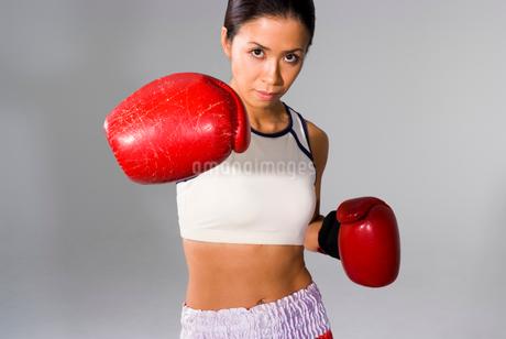 女性ボクサーの写真素材 [FYI01938822]