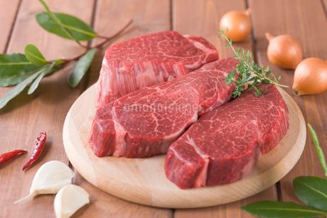 牛ヒレ肉の写真素材 [FYI01942300]