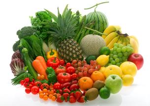 穫れたて野菜とフルーツの集合の写真素材 [FYI01946060]