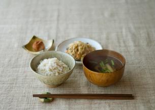 健康を意識した食事の写真素材 [FYI01946281]