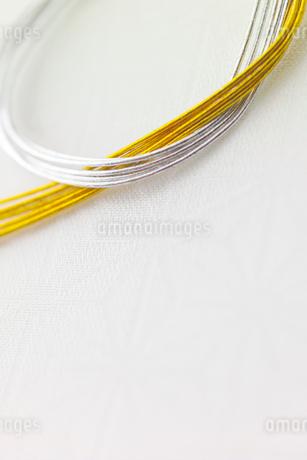 金と銀の水引きの写真素材 [FYI01947233]