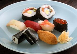 にぎり寿司集合の写真素材 [FYI01949721]