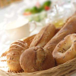 朝食のパンの写真素材 [FYI01949763]
