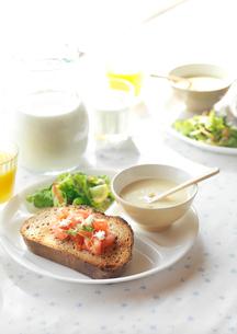 ワンプレートの朝食の写真素材 [FYI01949975]
