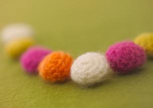 カラフルな毛糸の玉の写真素材 [FYI01951040]